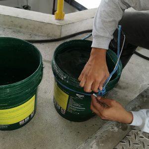 tie on buckets